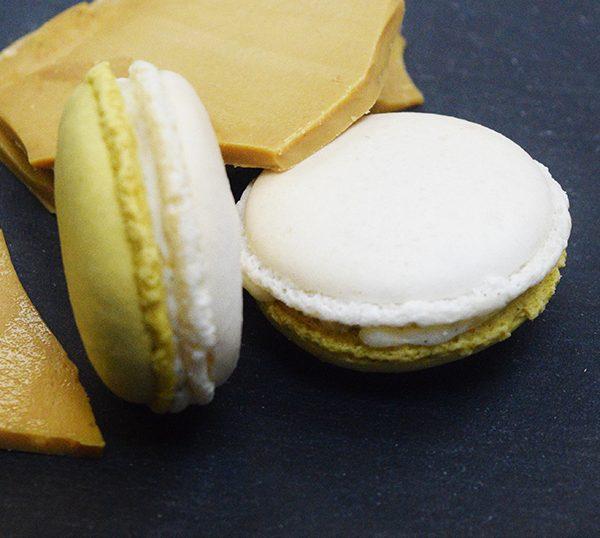 Macaron à la crème brulée